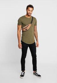 YOURTURN - T-Shirt print - olive - 1