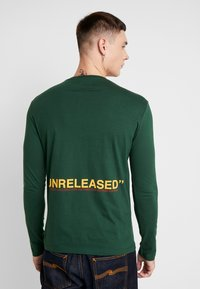 YOURTURN - UNRELEASED MIDDLE - Long sleeved top - green - 0