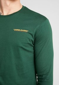 YOURTURN - UNRELEASED MIDDLE - Long sleeved top - green - 5
