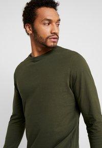 YOURTURN - Camiseta de manga larga - mottled olive - 3