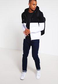 Pier One - Mikina na zip - black/white - 1