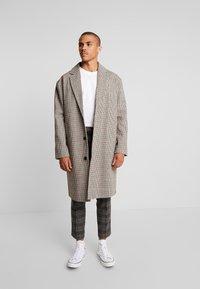 YOURTURN - Zimní kabát - beige - 0