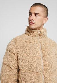 YOURTURN - Zimní bunda - camel - 5