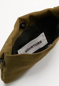 YOURTURN - Wallet - oliv - 5