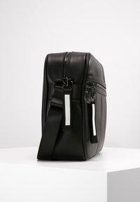YOURTURN - Across body bag - black - 3