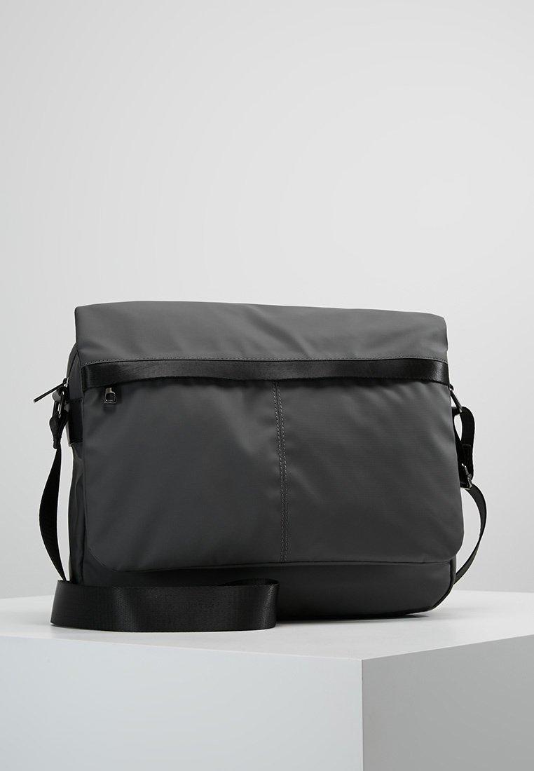 KIOMI - Bandolera - grey