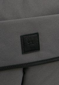 YOURTURN - Across body bag - grey - 6