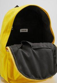 YOURTURN - Reppu - yellow - 4