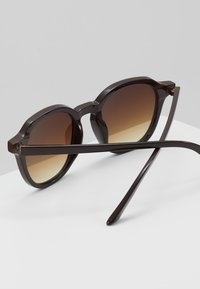 YOURTURN - Gafas de sol - brown - 3