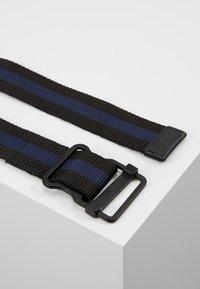 YOURTURN - Pásek - black/dark blue - 2