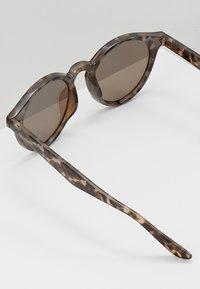 YOURTURN - Occhiali da sole - brown - 4
