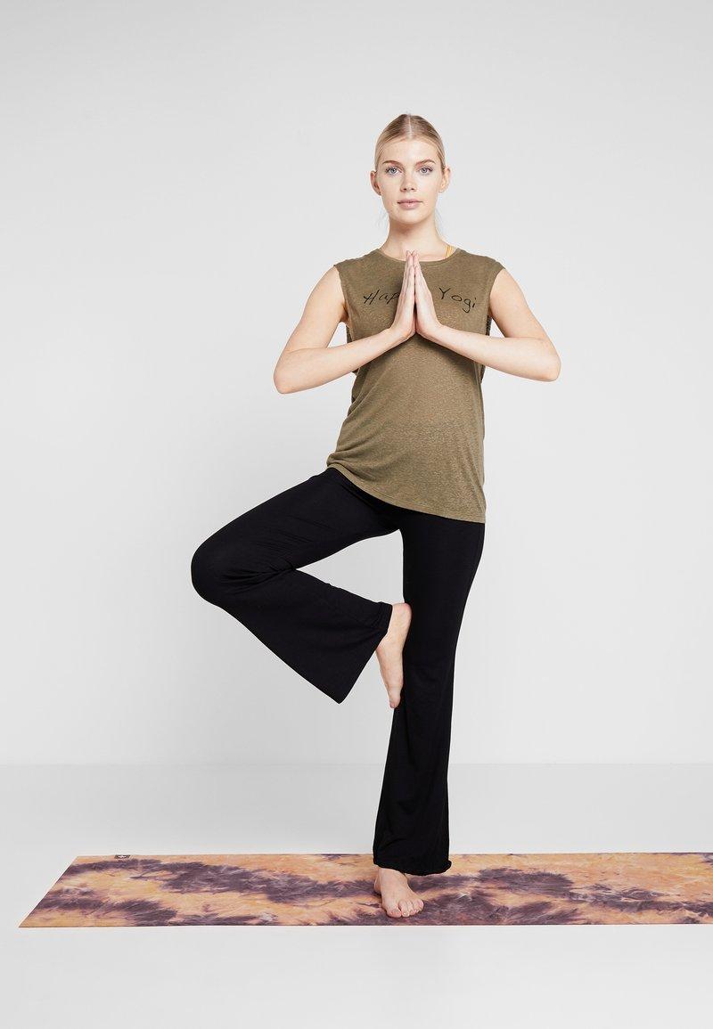 Yogasearcher VISHNU - T-shirts med print - kaki