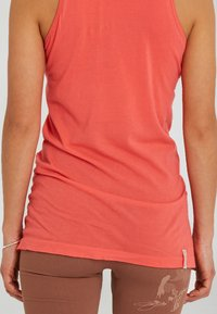 Yogasearcher - AJNA - Top - coral - 4