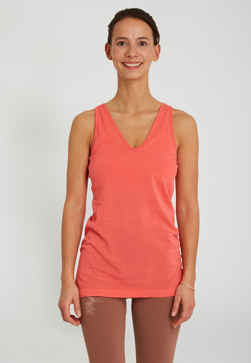 Yogasearcher - AJNA - Top - coral