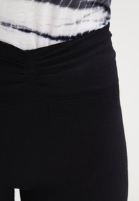 Yogasearcher - SAVASANA - Tights - black - 4