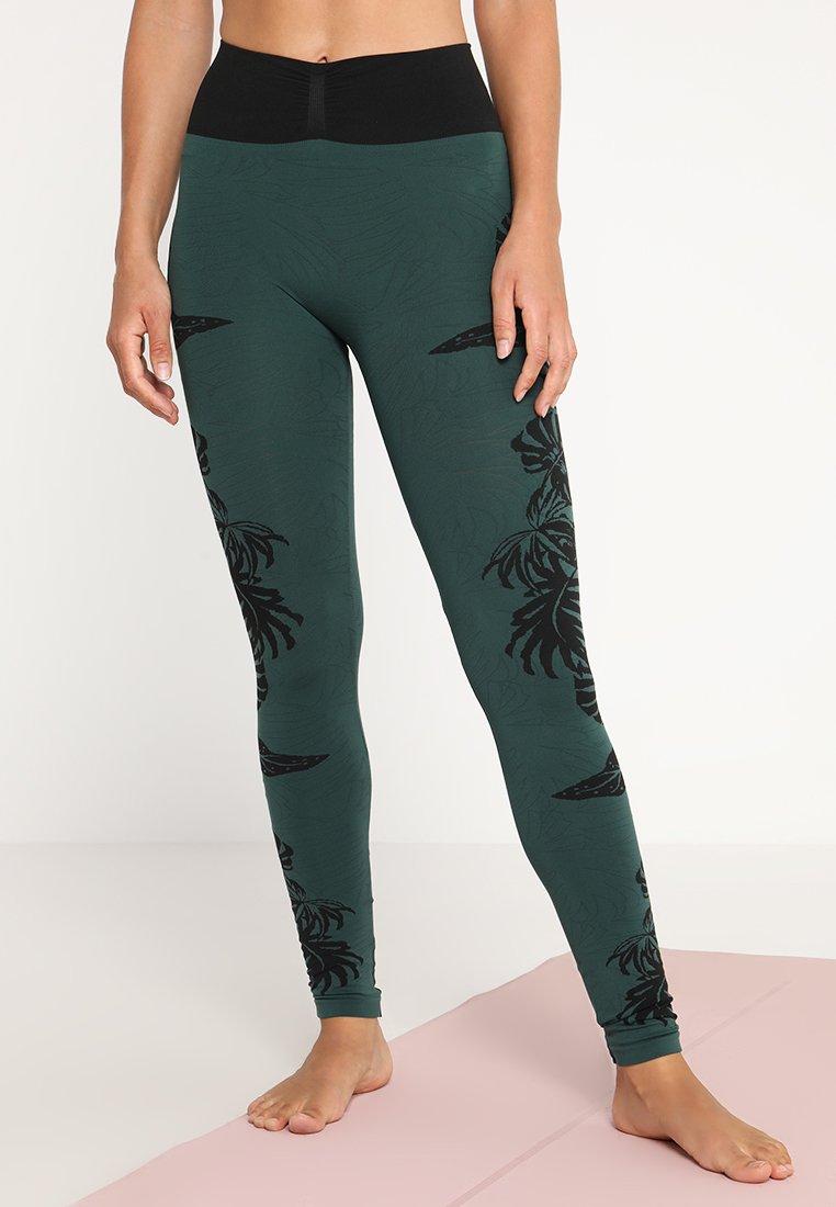 Yogasearcher - AVIDYA - Leggings - yucca