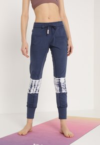 Yogasearcher - RACINE - Pantalon de survêtement - night - 0