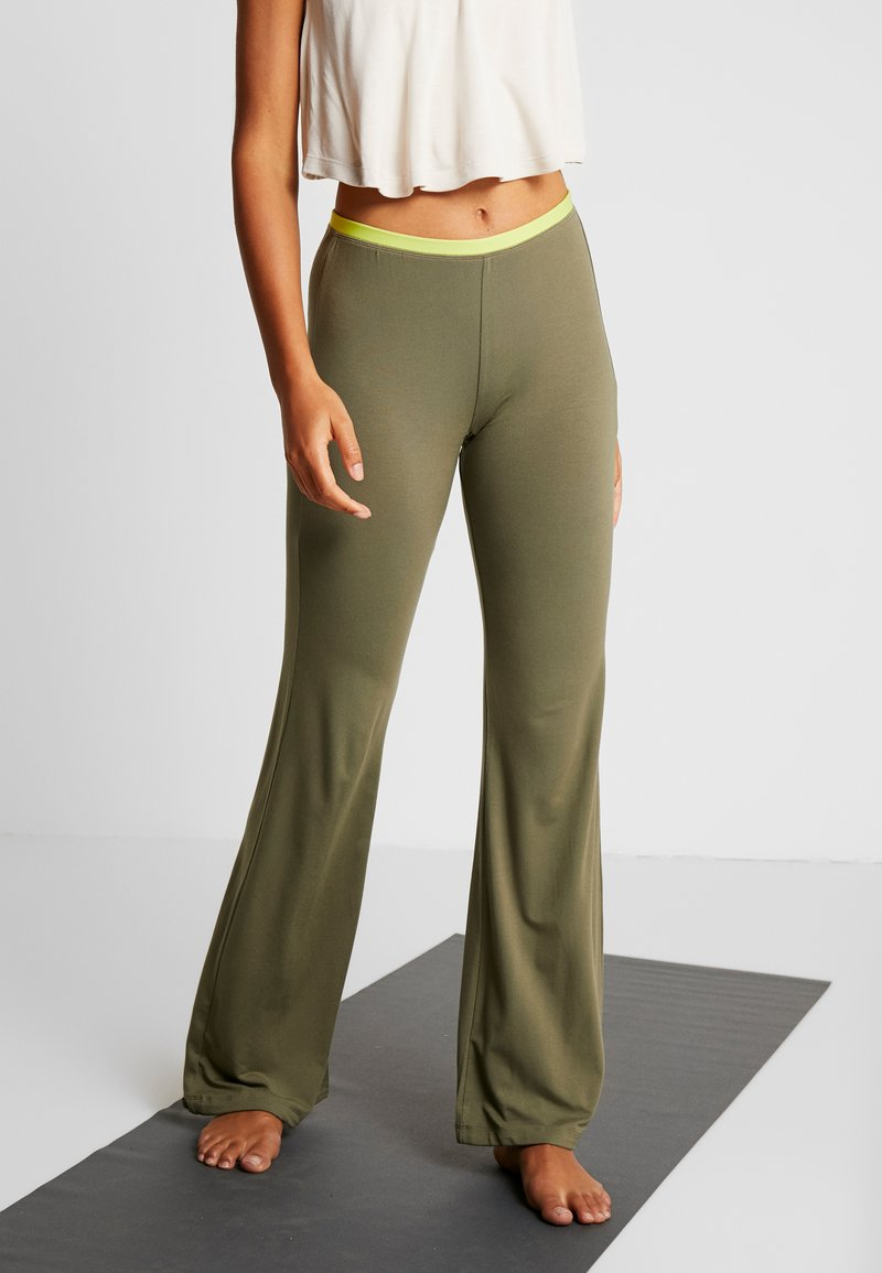 Yogasearcher - GANESH YOGA PANT - Tracksuit bottoms - kaki