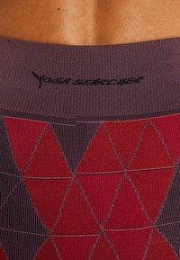 Yogasearcher - QUARTZ - Tights - rouge - 5