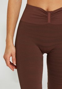 Yogasearcher - ANANTA - Legging - moka - 3