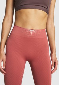 Yogasearcher - GALAXIE - Tights - terracotta - 4