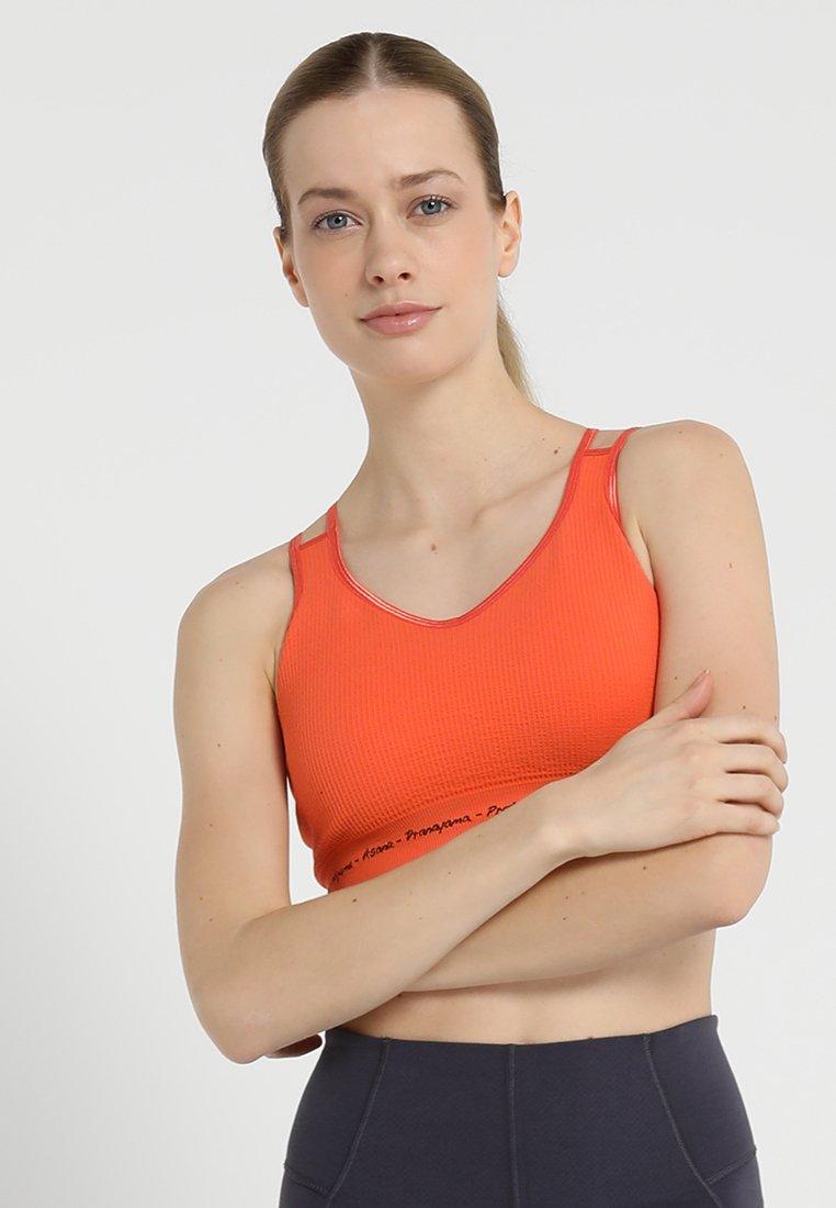 Yogasearcher - MATRIKA  - Sports bra - sunstone