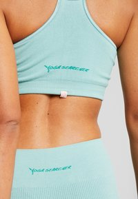 Yogasearcher - SATNAM  - Sports-bh'er - celadon - 4