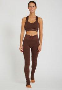 Yogasearcher - LAKSHMI - Sport BH - brown - 1