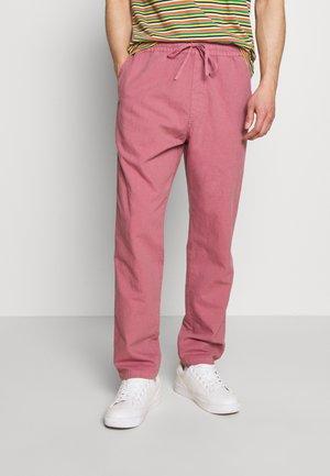 ALVA SKATE PANT - Bukser - pink