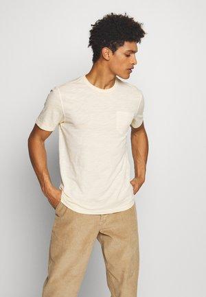 WILD ONES POCKET TEE - Basic T-shirt - ecru