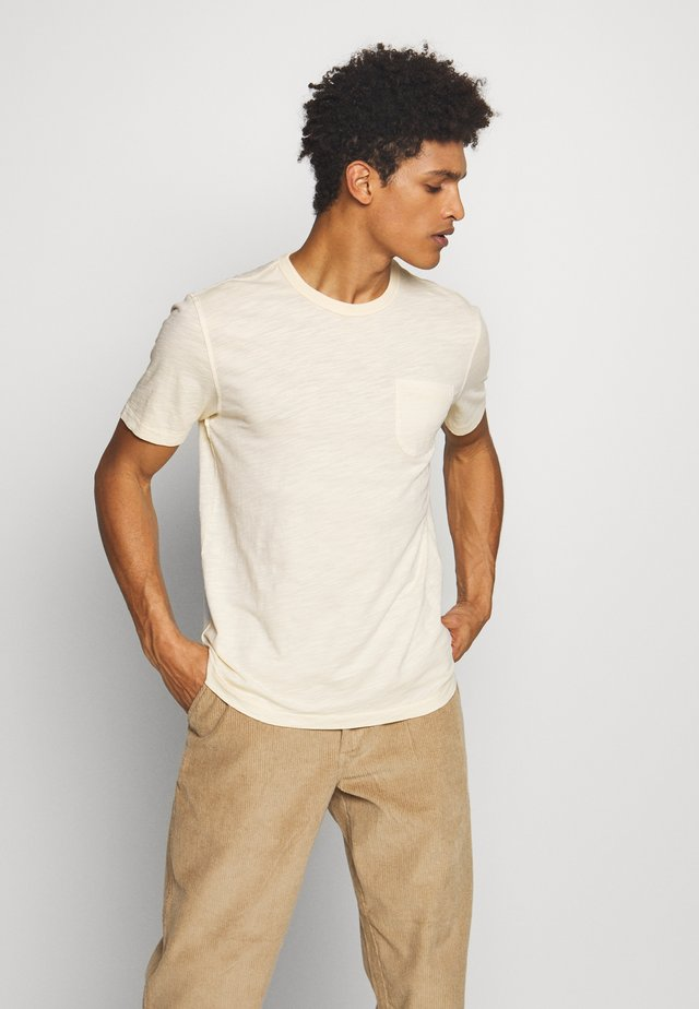 WILD ONES POCKET TEE - Basic T-shirt - ecru