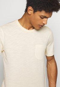 YMC You Must Create - WILD ONES POCKET TEE - Basic T-shirt - ecru - 4