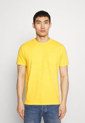 WILD ONES POCKET TEE - Basic T-shirt - yellow