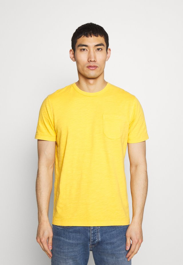WILD ONES POCKET TEE - Basic T-shirt - yellow