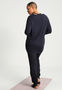 YOGA CURVES - Top sdlouhým rukávem - midnigh blue - 2