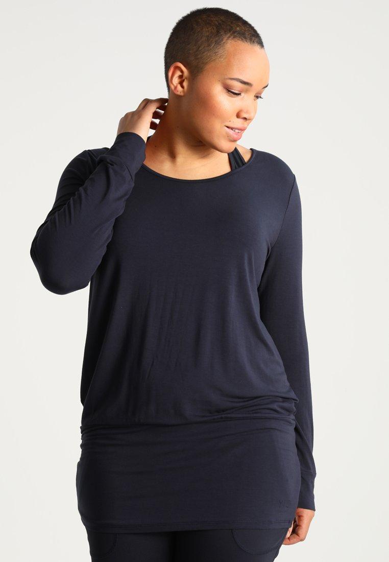 YOGA CURVES - Bluzka z długim rękawem - midnigh blue