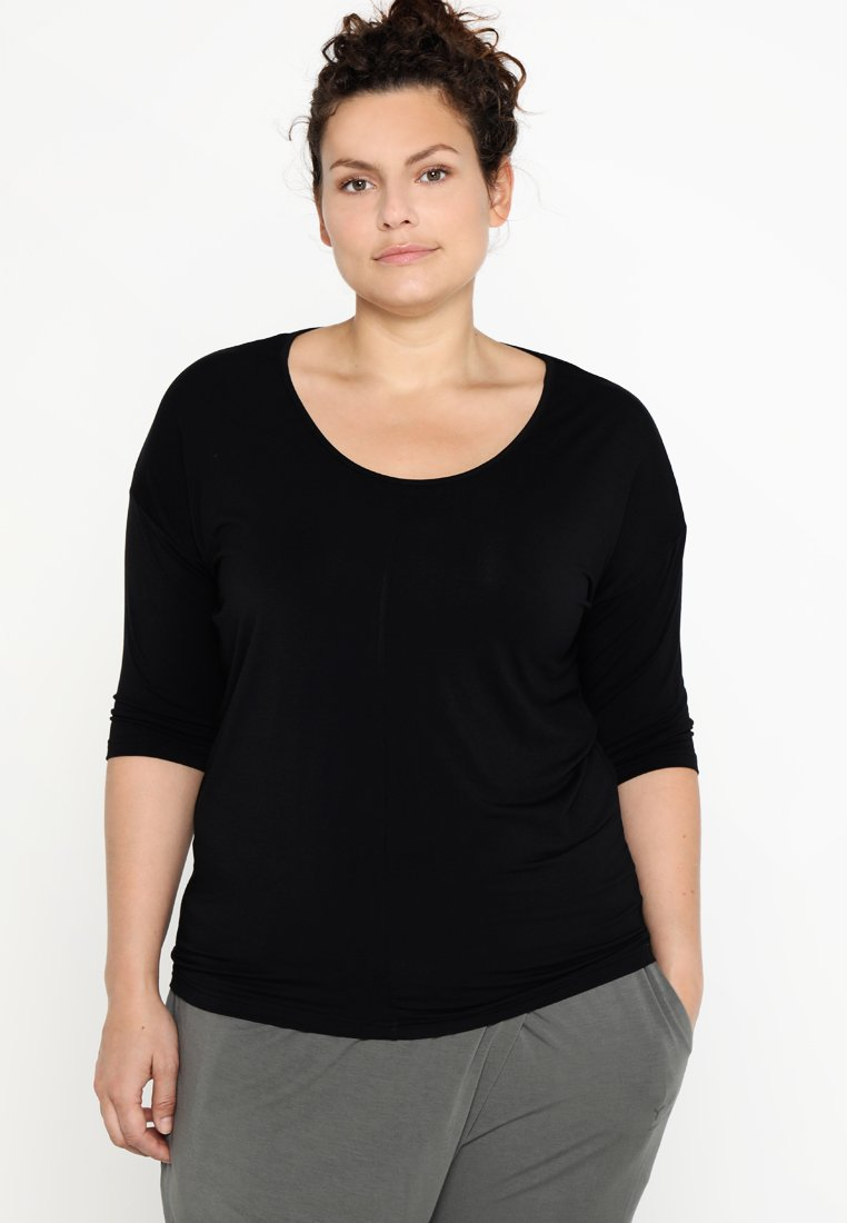 YOGA CURVES - Langarmshirt - black