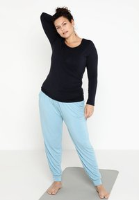 YOGA CURVES - Long sleeved top - midnight blue - 1