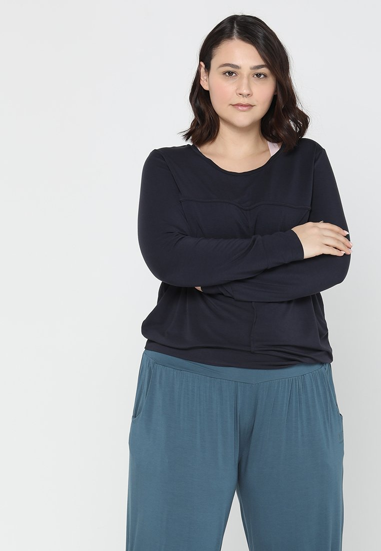 YOGA CURVES - Long sleeved top - midnight blue