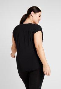 YOGA CURVES - WATERFALL - Basic T-shirt - black - 2