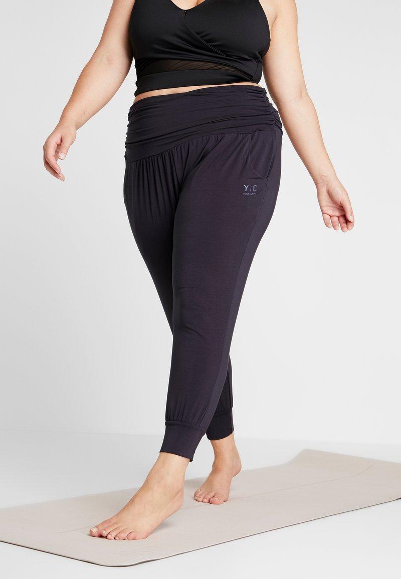 YOGA CURVES - PANTS - Pantalones deportivos - midnight blue