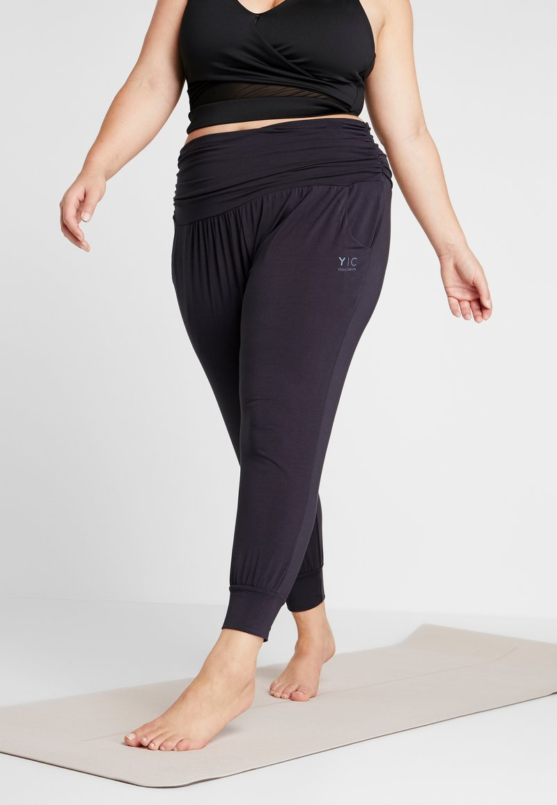 YOGA CURVES - PANTS - Pantalones deportivos - midnight blue