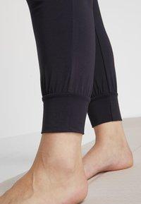 YOGA CURVES - PANTS - Pantalones deportivos - midnight blue - 3