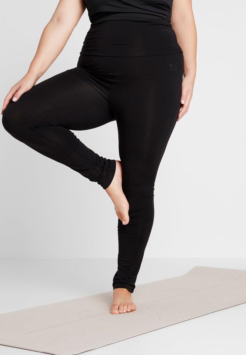YOGA CURVES - LEGGINGS - Collant - black