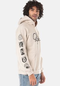 Young and Reckless - SIGNATURE CONTEND - Sweat à capuche - beige - 2