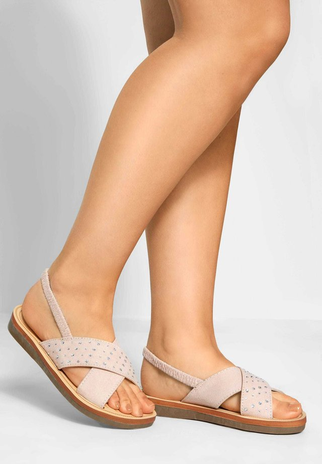 NUDE CROSS OVER DIAMANTE IN EXTRA WIDE FIT - Sandals - pink