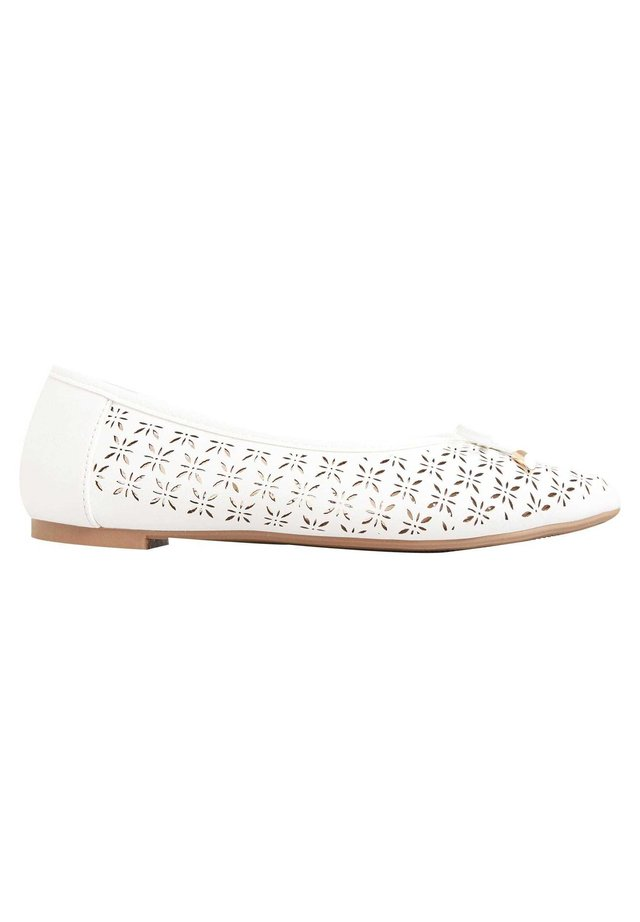 LASER CUT - Ballet pumps - white