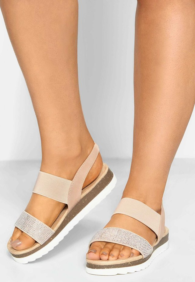 EMBELLISHED COMFORT IN EXTRA WIDE FIT - Sandals - pink