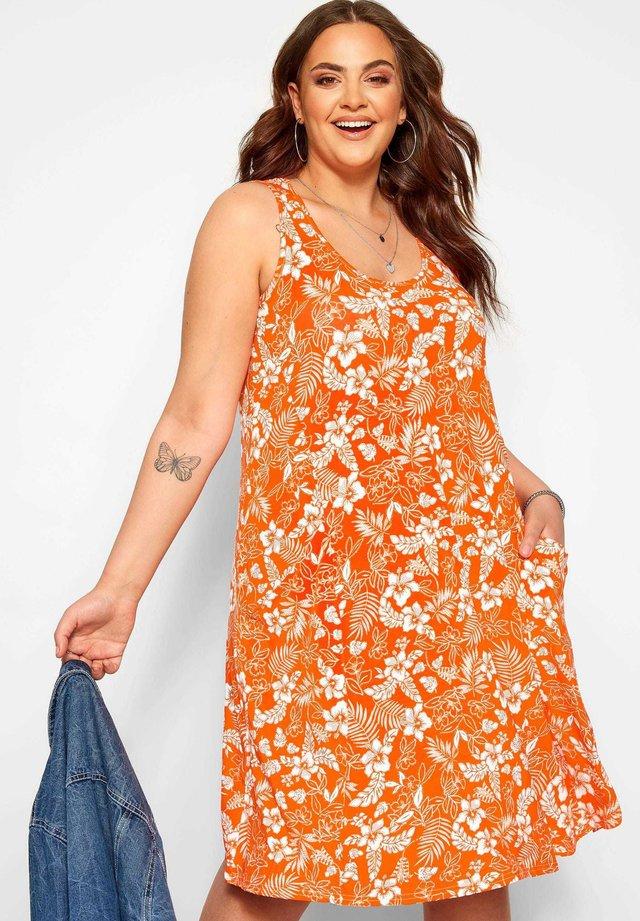 TROPICAL FLORAL - Jersey dress - orange