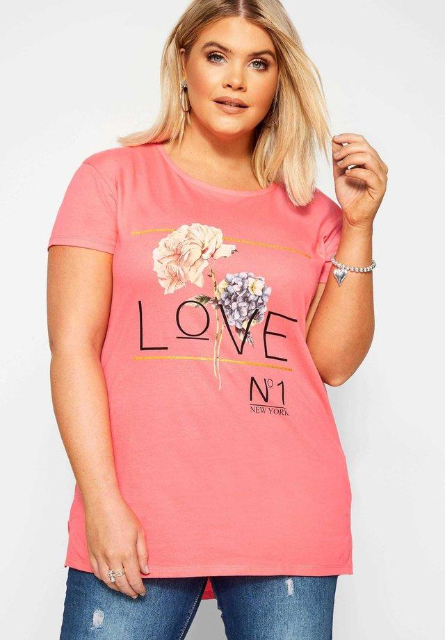 LOVE - Print T-shirt - pink